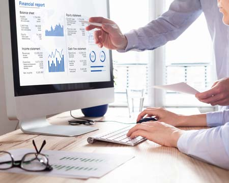 Consulting auditors auditing financial report